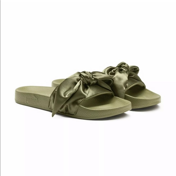 best loved 98205 bf2c3 New! Womens Puma x Fenty Bow Slide Boutique